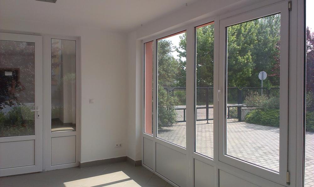 Kiadó székesfehérvári üzlet/iroda helyiség